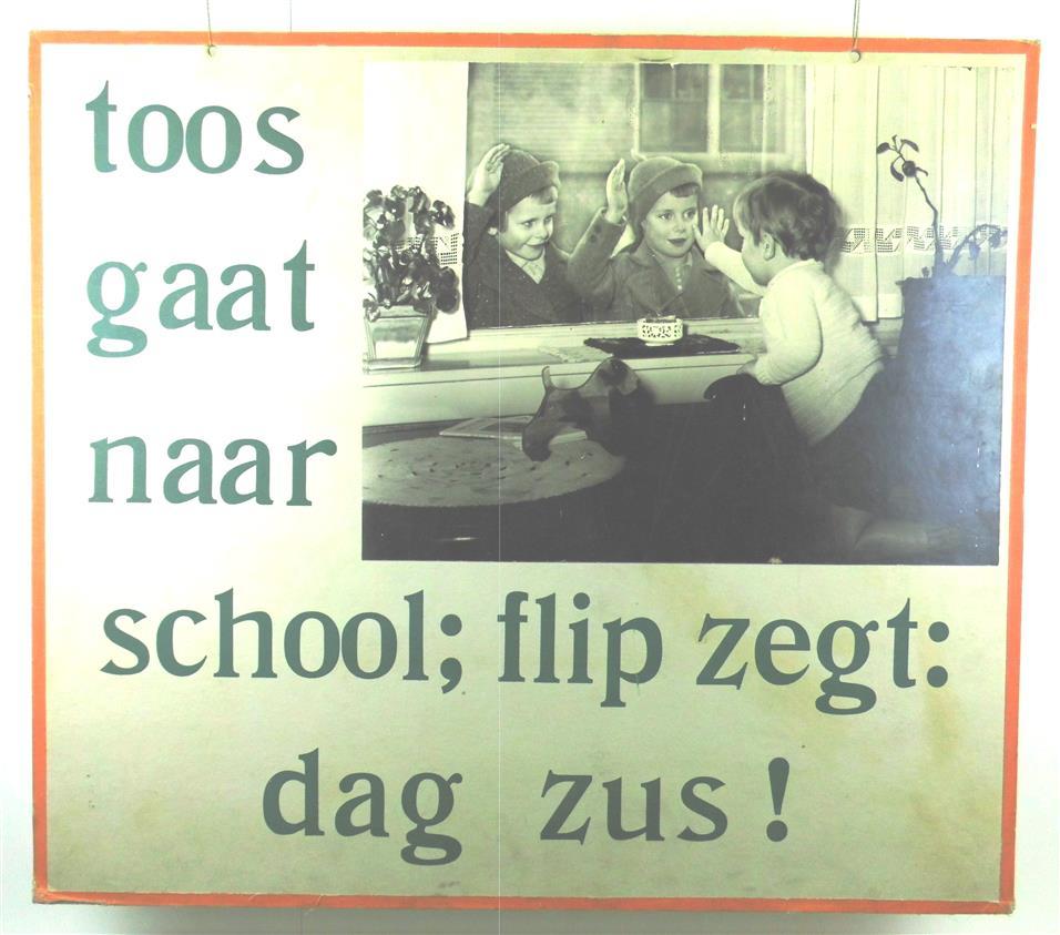 ( SCHOOLPLAAT ) . LEES MEE . Toos gaat naar school; Flip zegt: dag Zus!