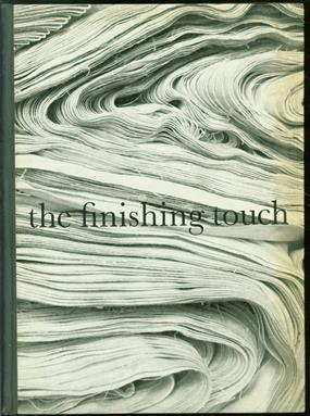 The finishing touch : 100 jaar twentsche stoombleekerij nv door Max Dendermonde en Carel Blazer.