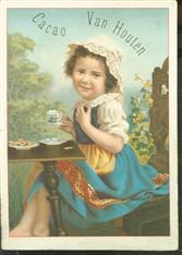 Meisje met kopje chocolademelk en koekjes - Girl with cup of chocolate milk and cookies