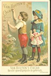 Jongetje schrijft op de muur en meisje met pop kijkt toe - Little boy writes on the wall and girl with doll looks on